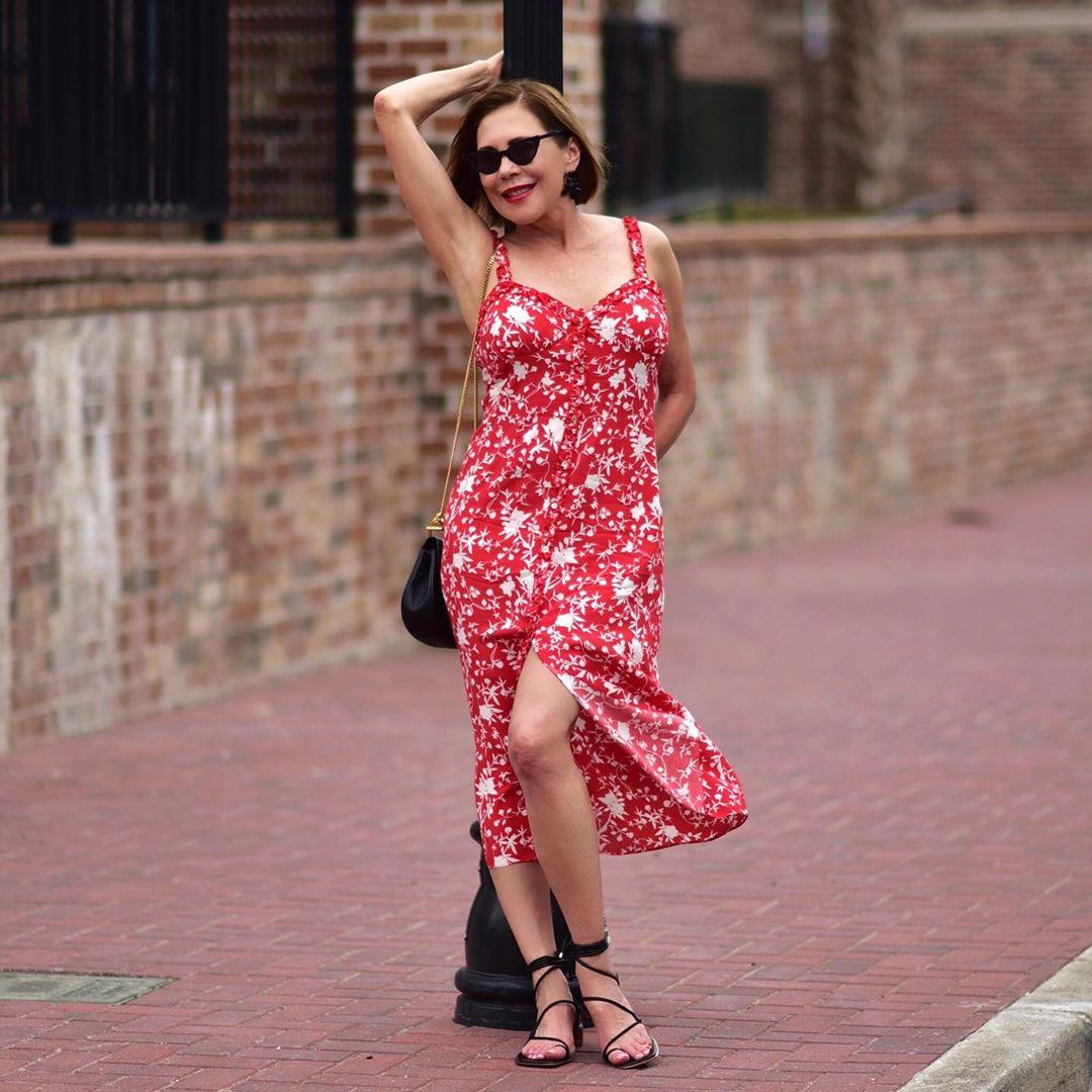 с чем носить сарафан летом женщинам после 40-50 лет фото 10