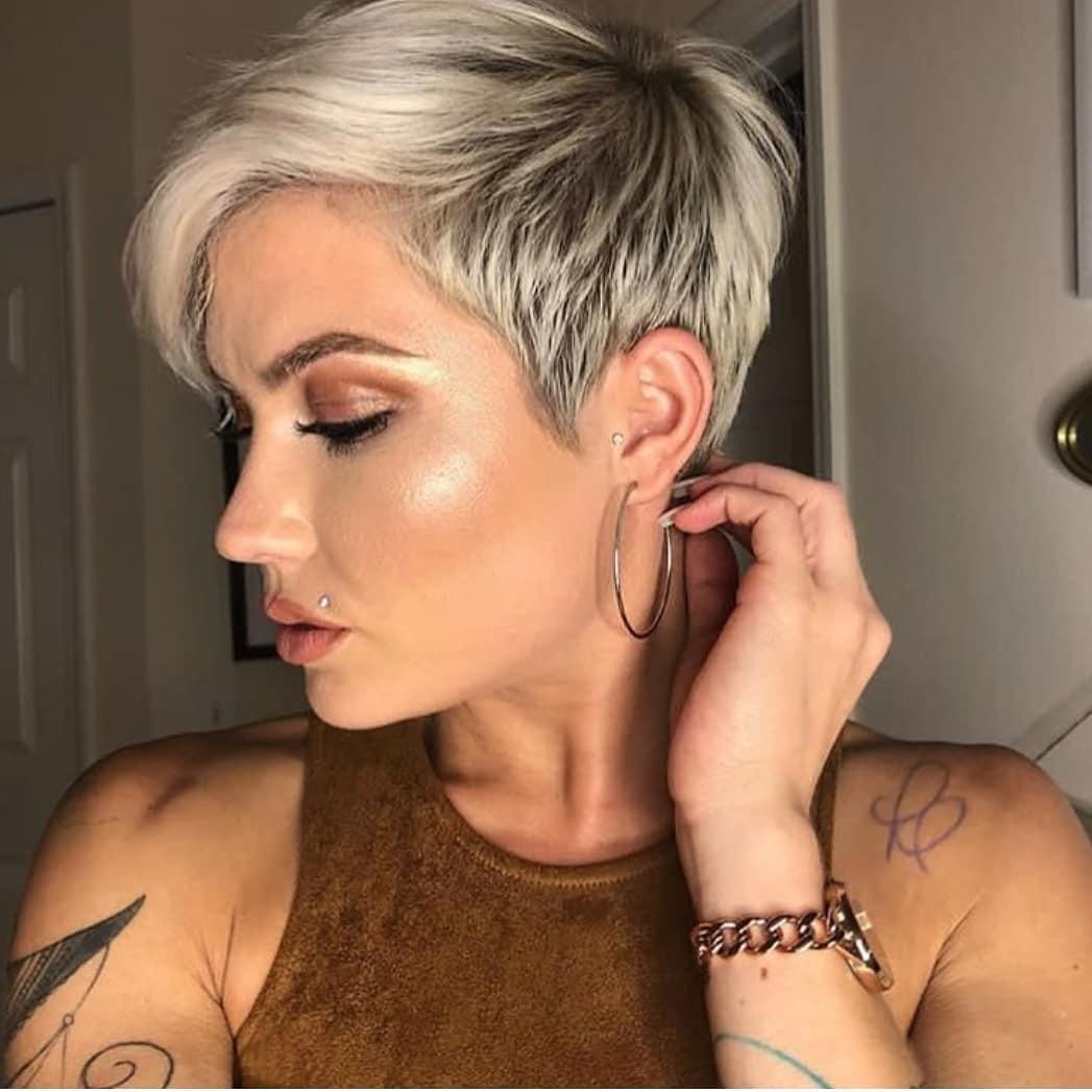стрижки для женщин с тонкими волосами фото 11