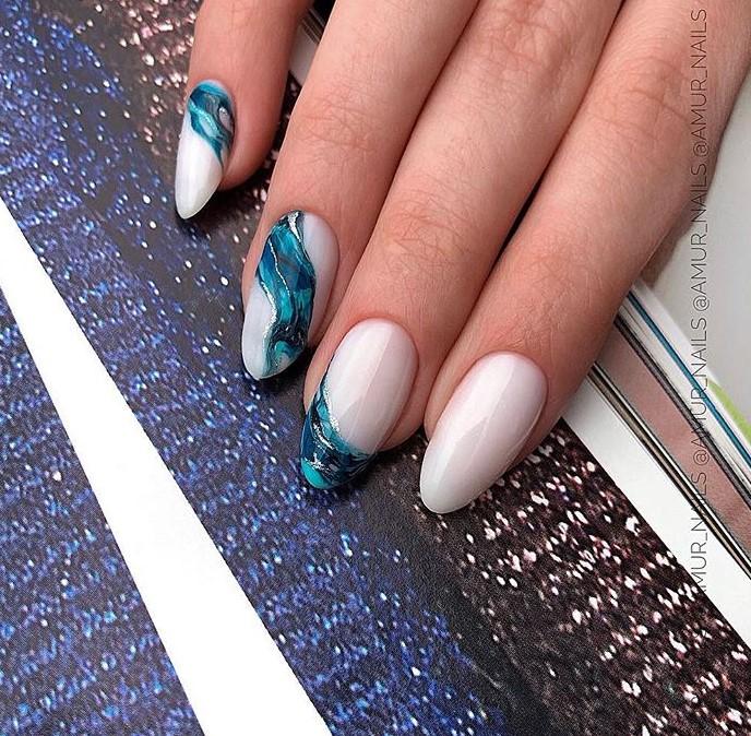 Море на ногтях фото 42