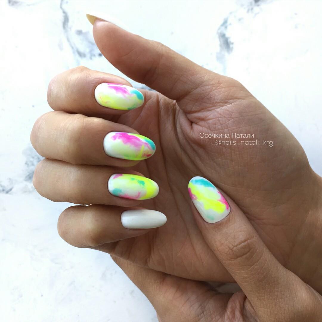 маникюр разноцветная дымка фото 8