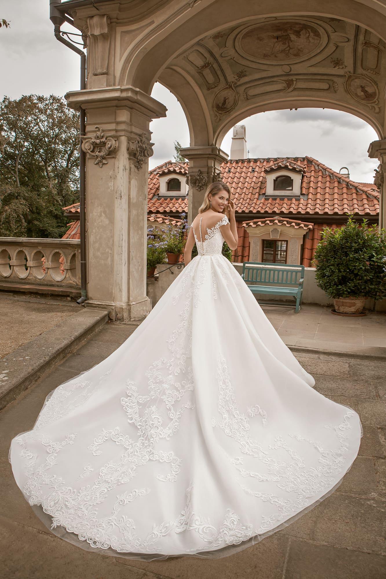 пышные свадебные платья фото 37