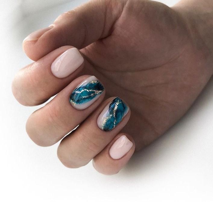 Море на ногтях фото 4