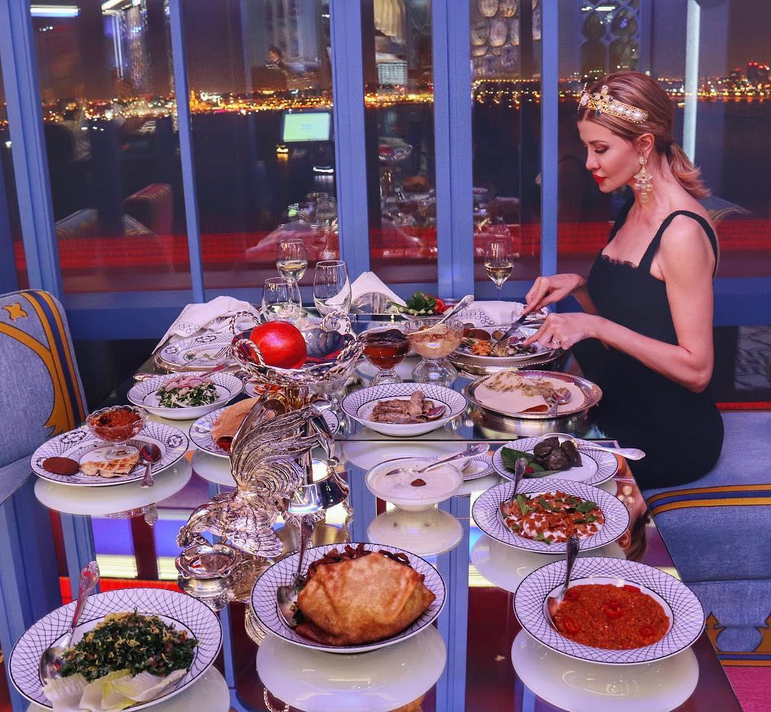 Правила поведения женщин в ресторане фото 2