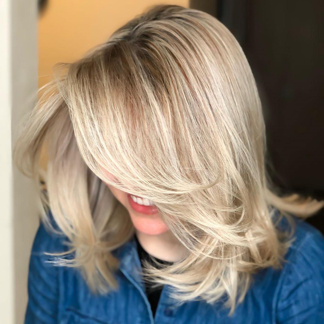Модные укладки на средние волосы без челки фото 3
