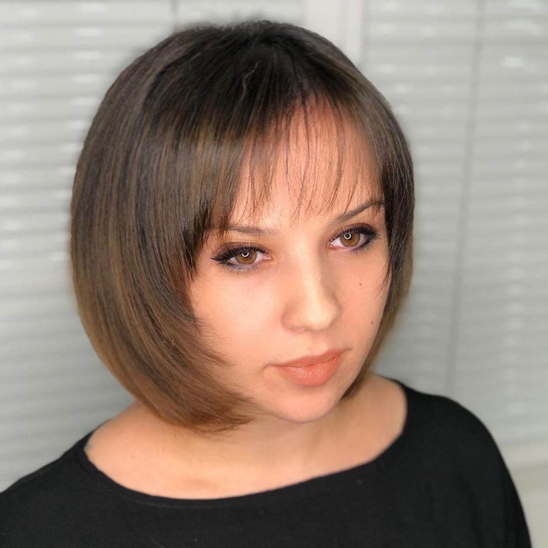 Омолаживающие стрижки с челкой для круглого лица фото 9