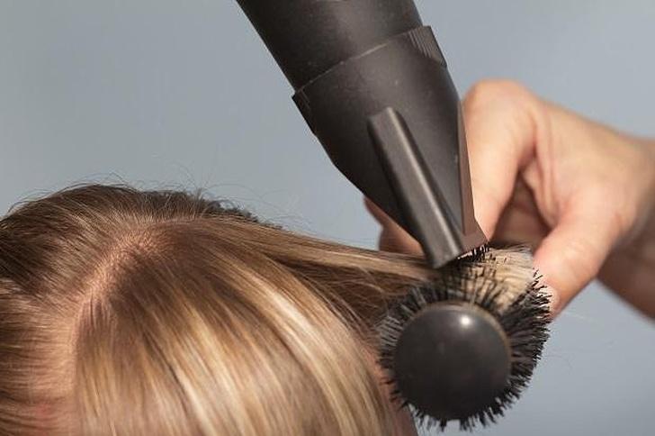 как придать волосам объём фото 3
