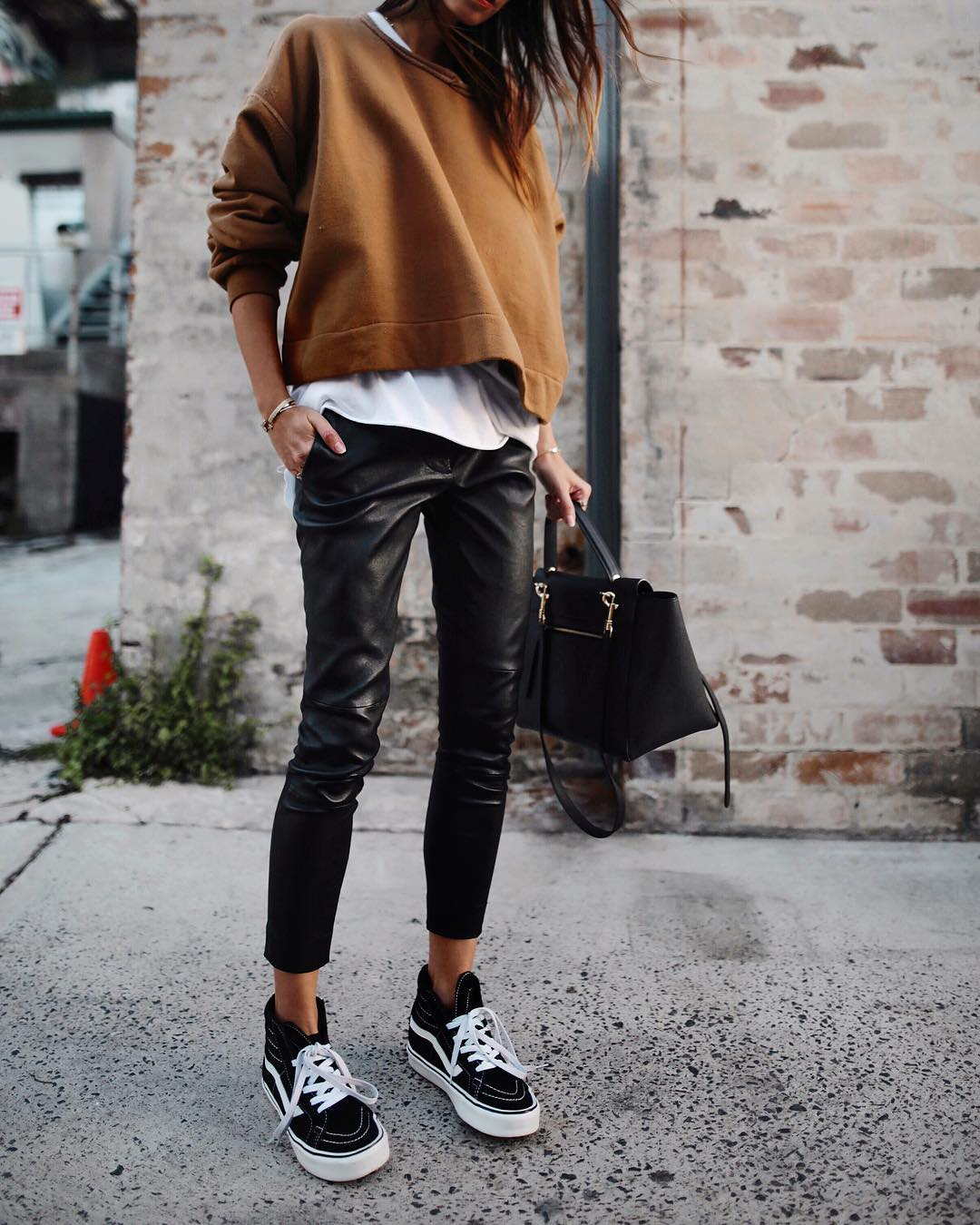 кожаные брюки 2020 фото 7
