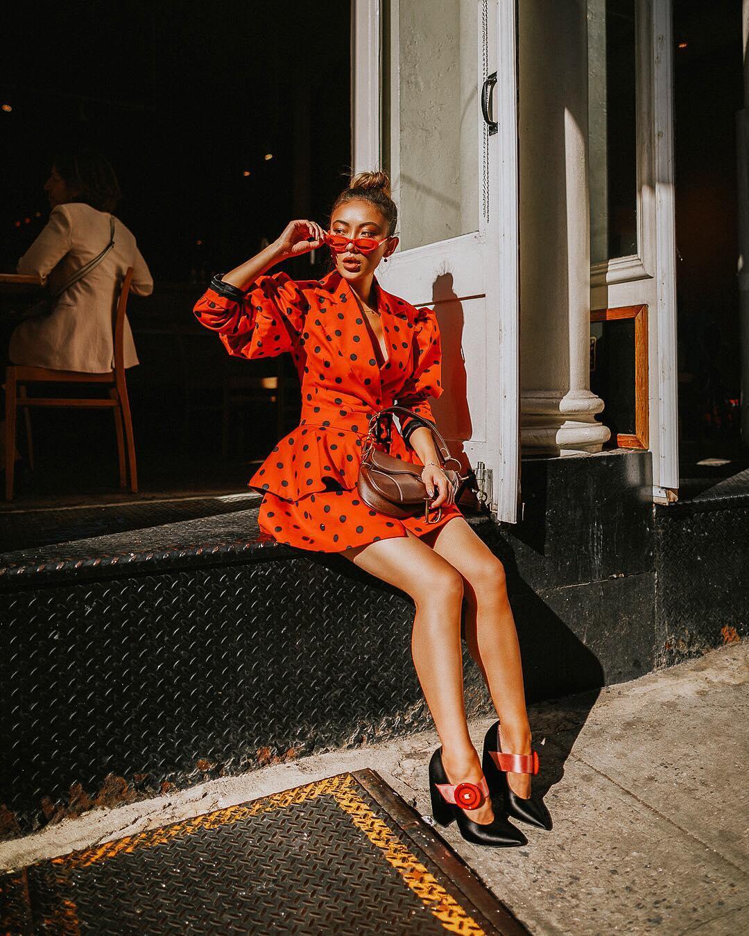 Модные осенние образы в оранжевом цвете фото 6