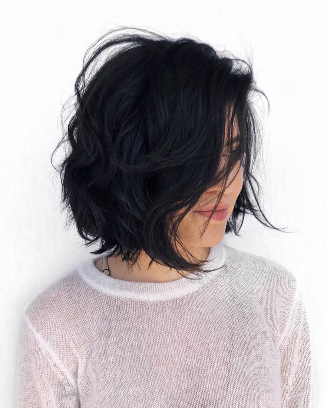 Стильные варианты стрижек на короткие волосы фото 2