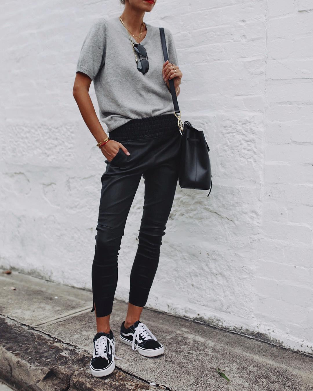 кожаные брюки 2020 фото 5