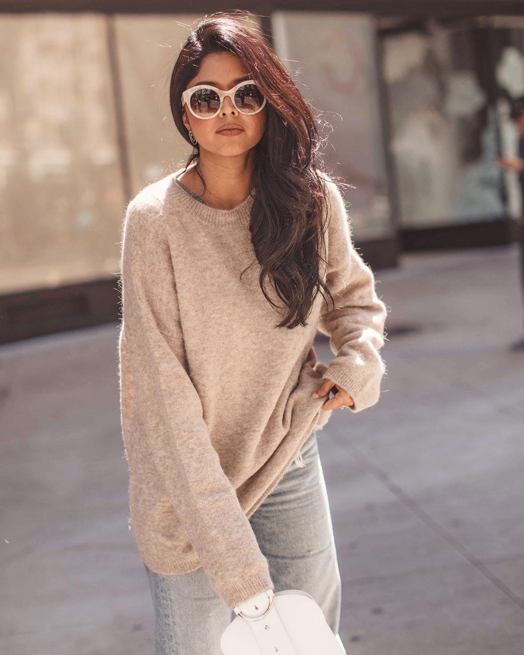 с чем носить свитер осенью 2019 фото 23