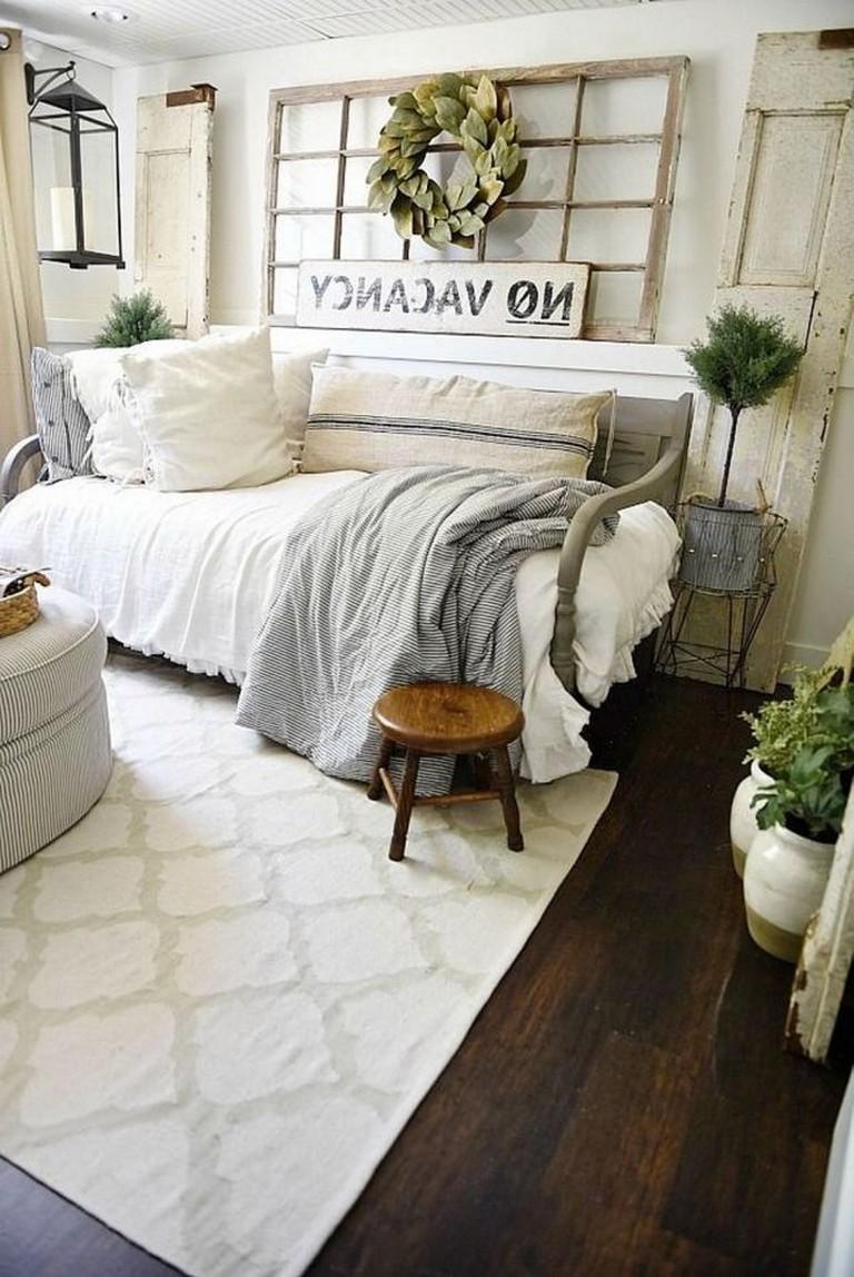 Идеи декора спальни в деревенском стиле фото 14