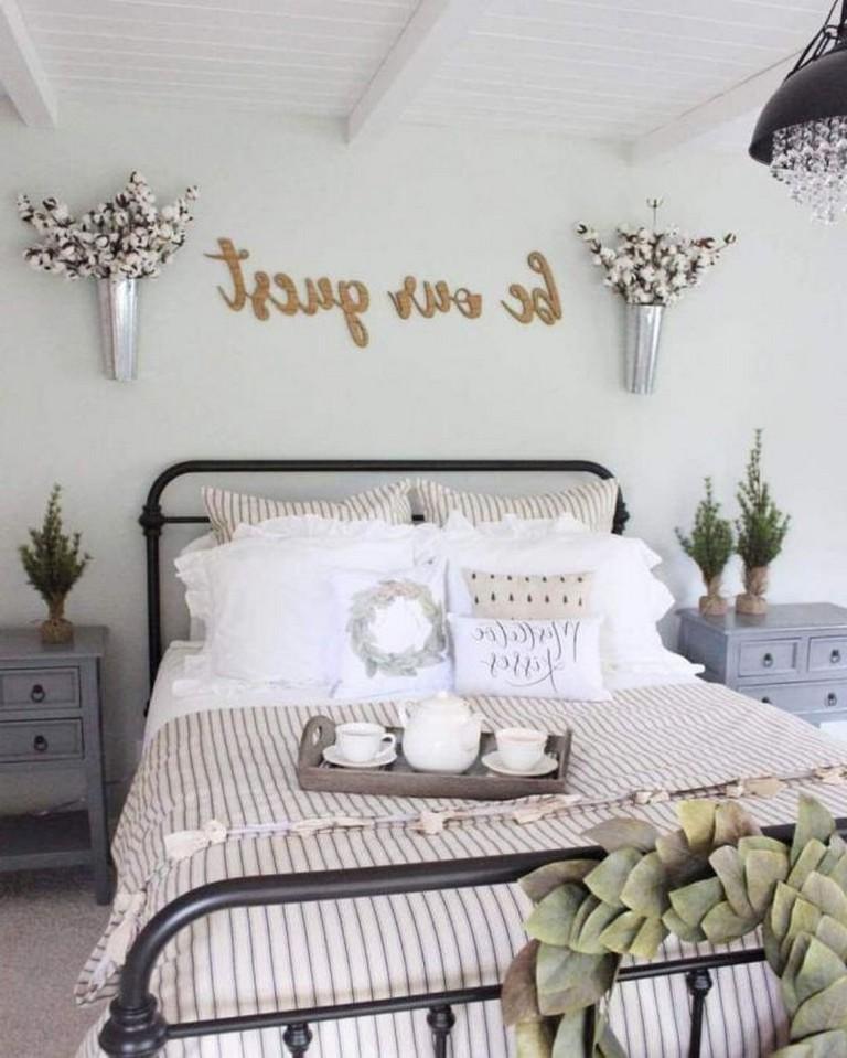 Идеи декора спальни в деревенском стиле фото 17