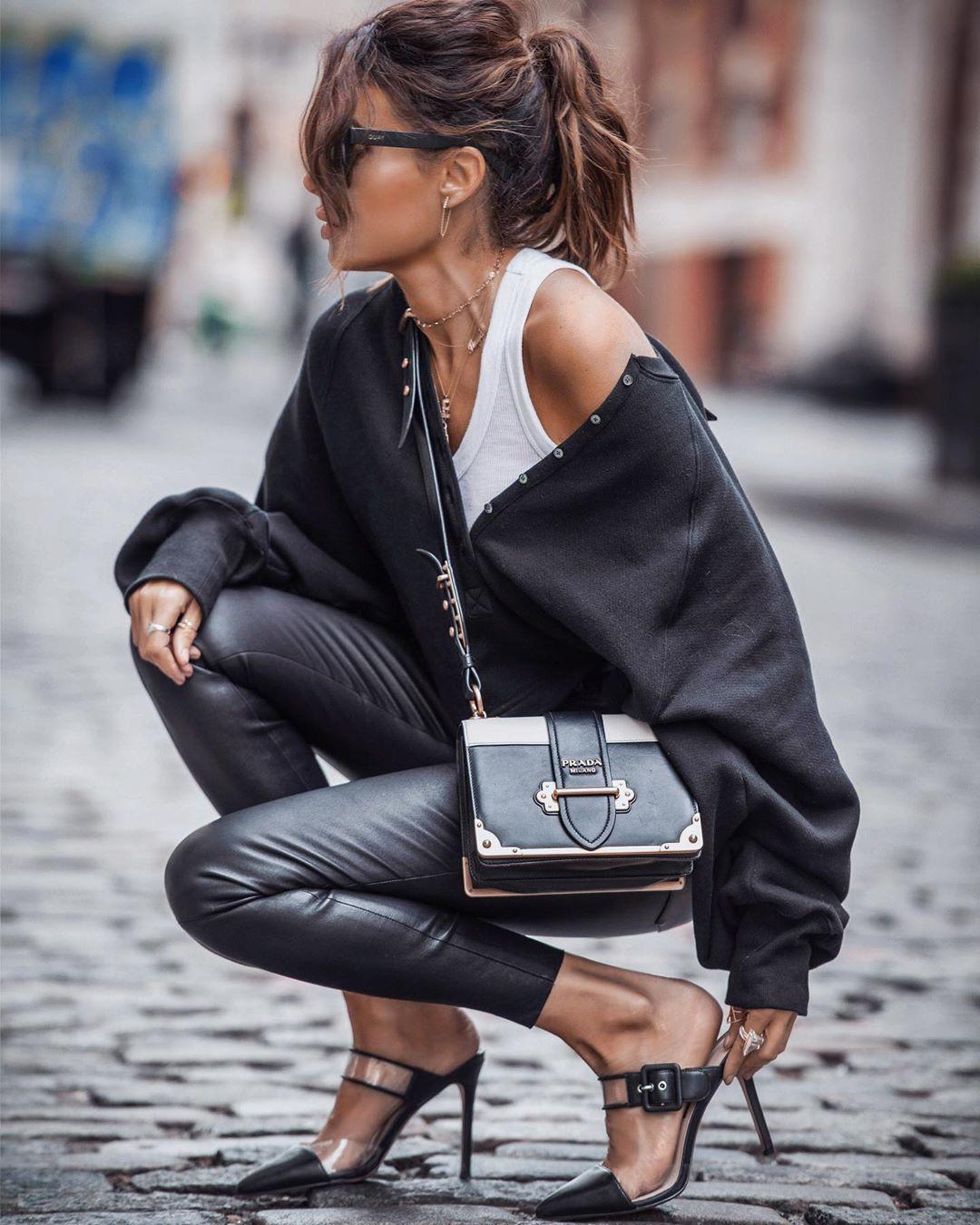 кожаные брюки 2020 фото 10
