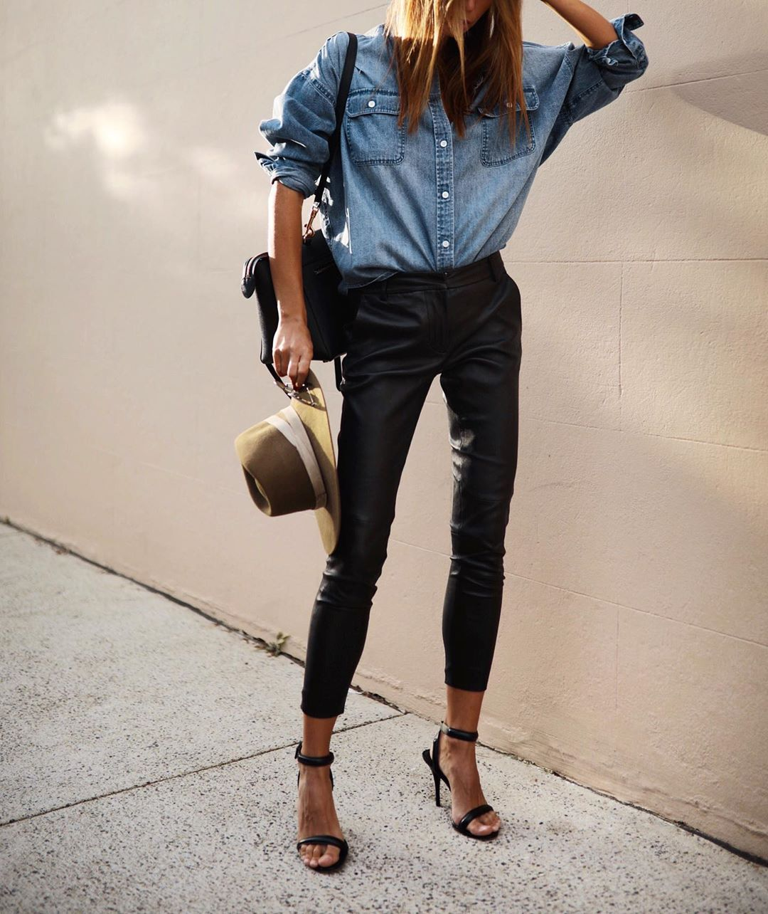 кожаные брюки 2020 фото 3