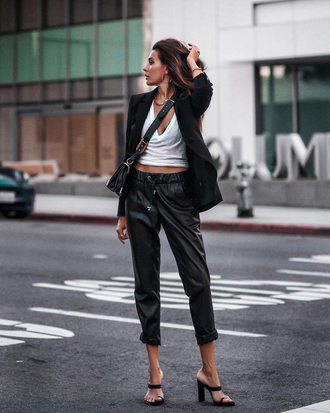 кожаные брюки 2020 фото 13