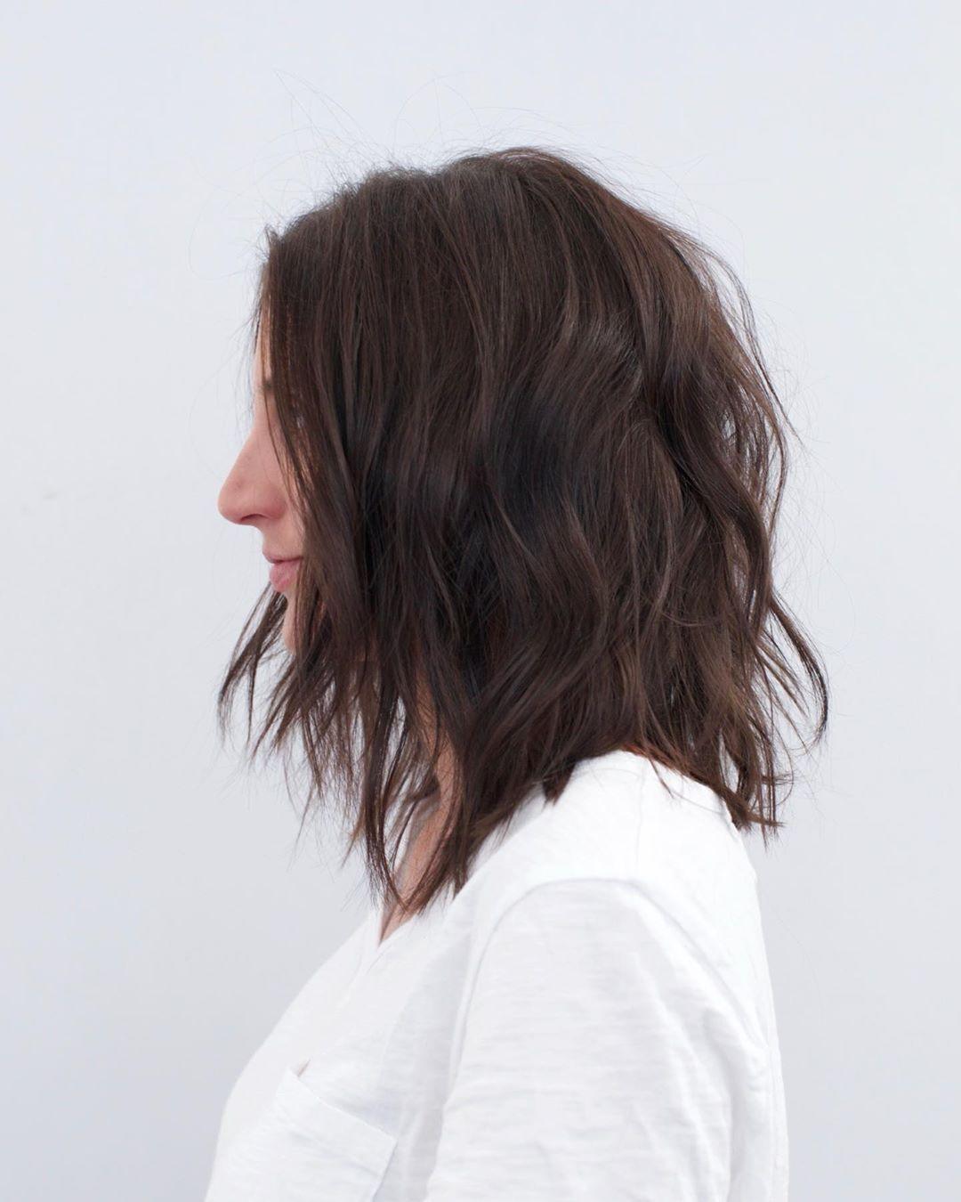 Стрижки после 50 лет на каштановые волосы фото 5
