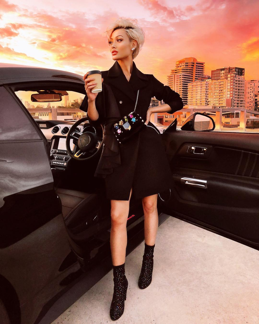 черное пальто 2020 фото 2