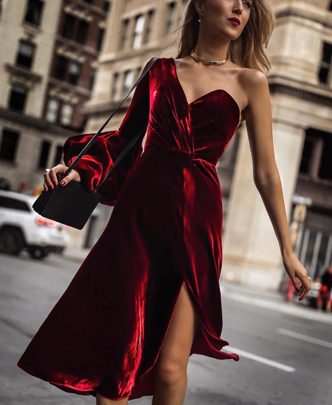 Бархатное платье 2020 фото 4