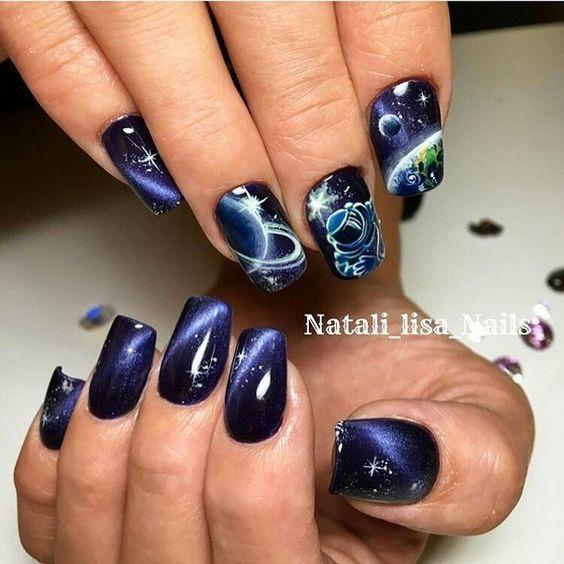 Звездное небо на ногтях фото 25