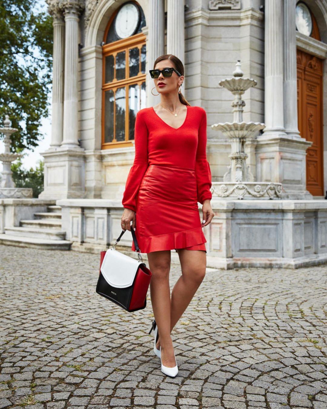 красная юбка 2020 фото 6