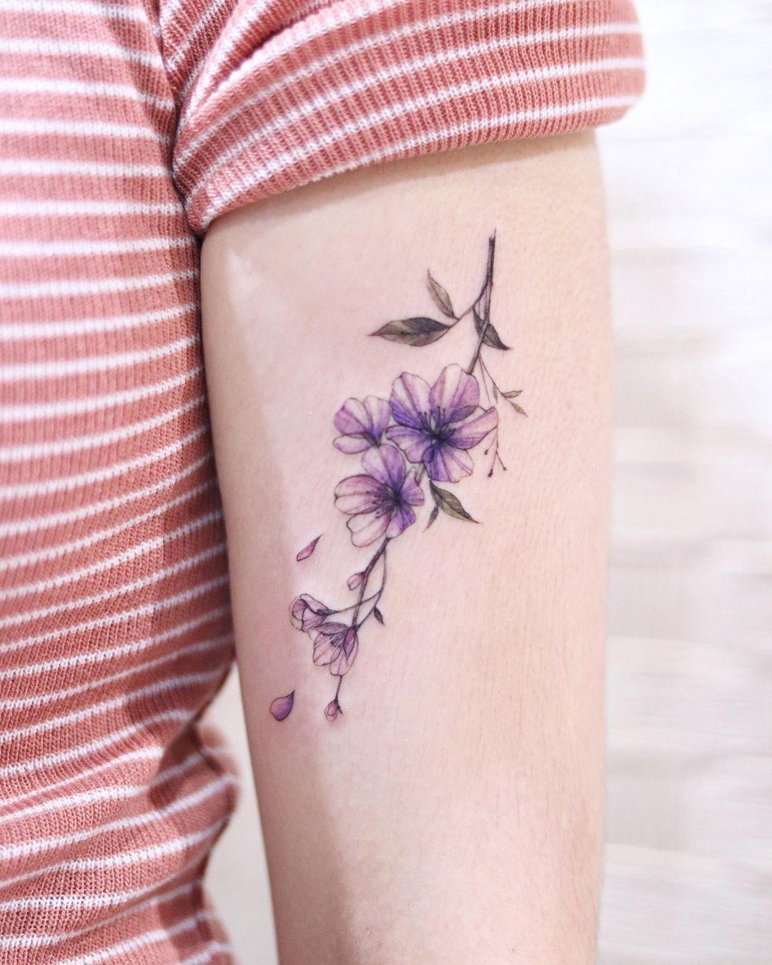 Креативные и стильные варианты татуировок фото 16
