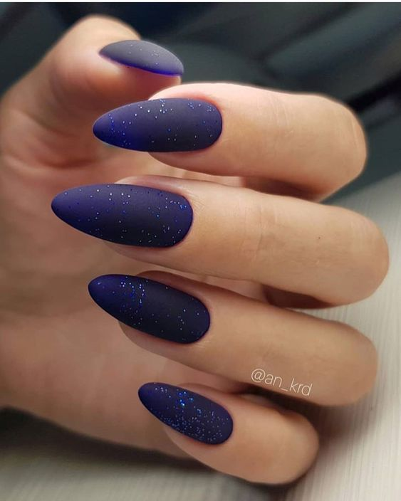 Звездное небо на ногтях фото 23