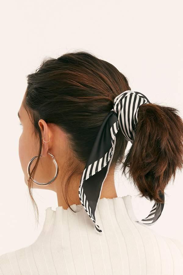 Хвост на средние волосы фото 7