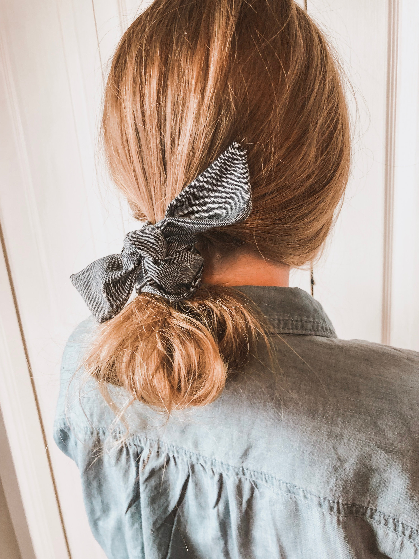 Хвост на средние волосы фото 11