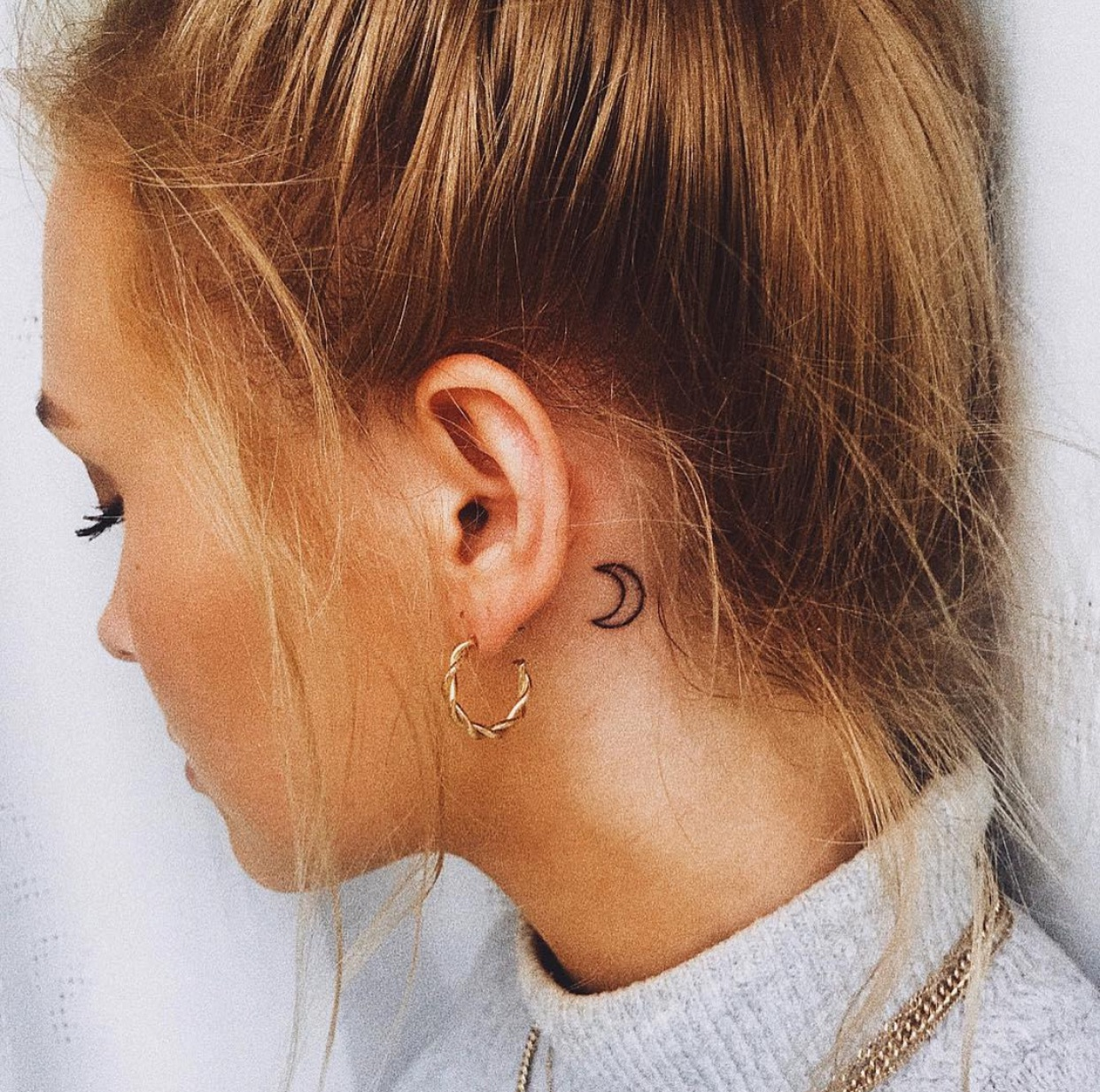 Татуировки за ухом фото 5