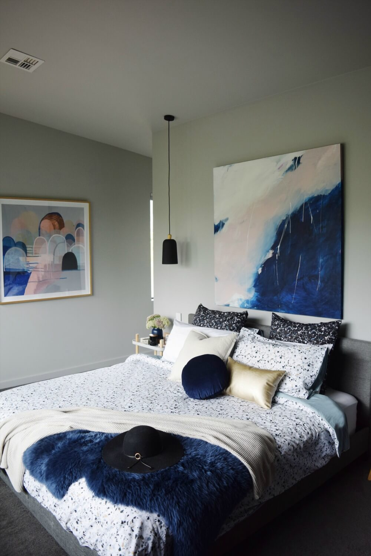 спальня в тёмно-синих тонах фото 2