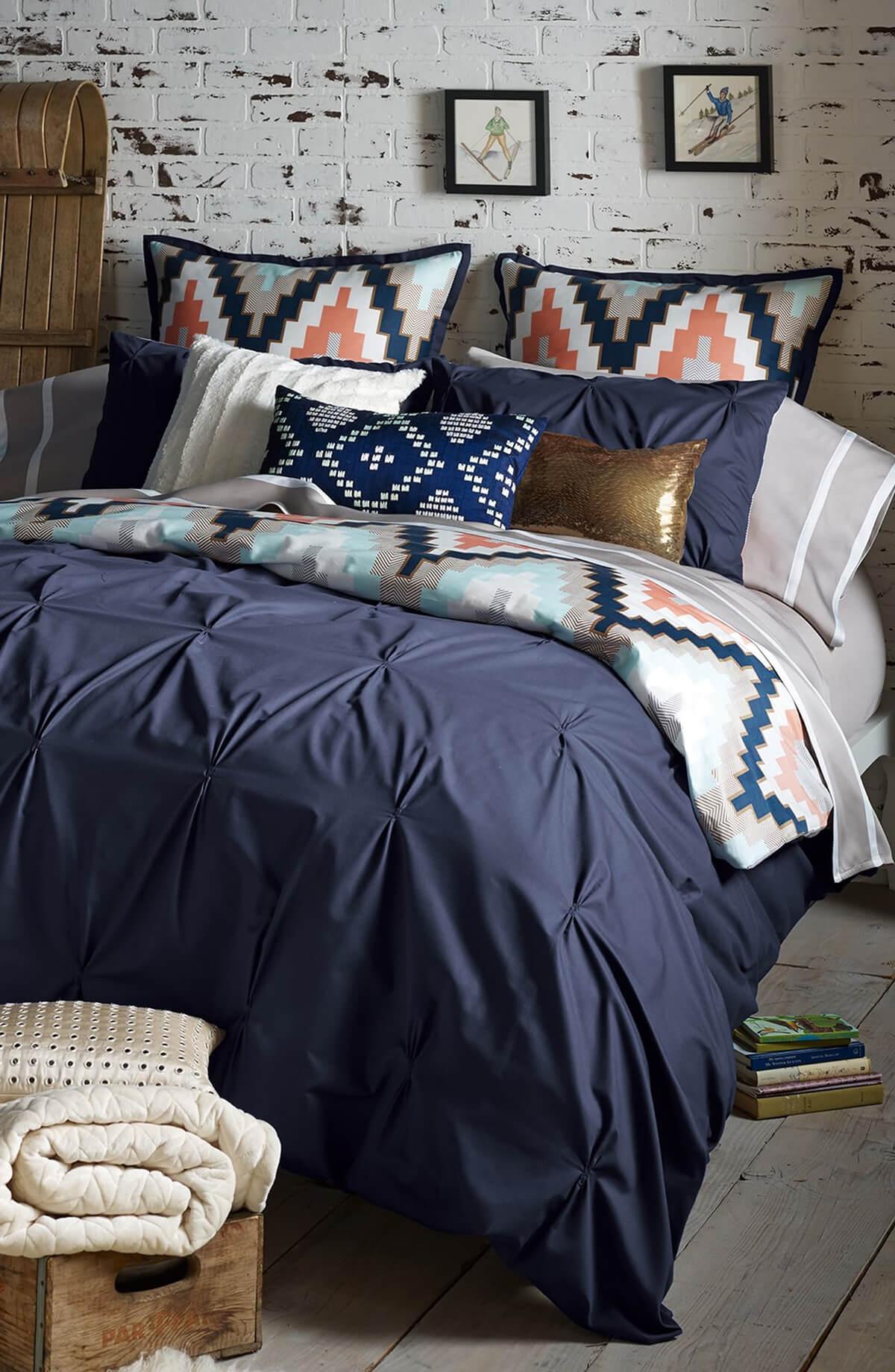 спальня в тёмно-синих тонах фото 8