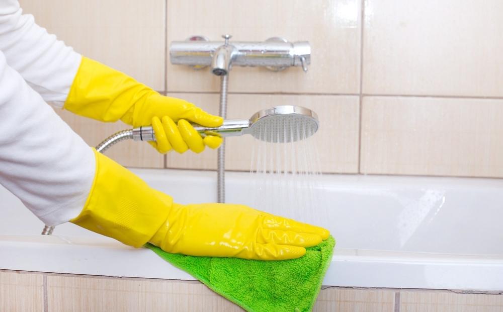 Как очистить душ или ванну от налёта фото 1