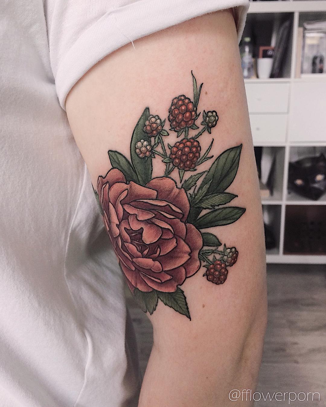 татуировка в виде пиона фото 2