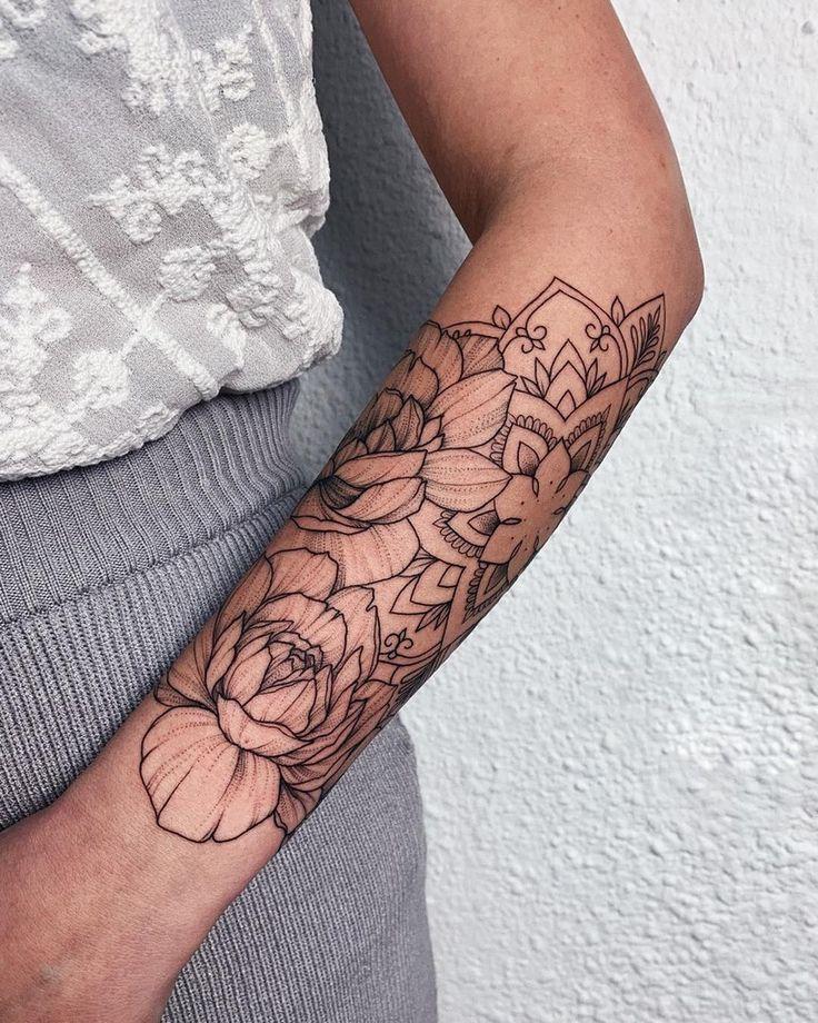 татуировка в виде пиона фото 12