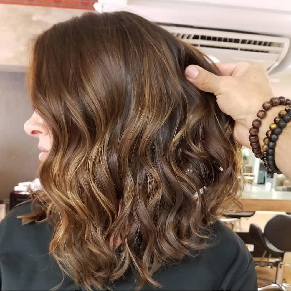 стрижки которые подойдут для разной структуры волос фото 6