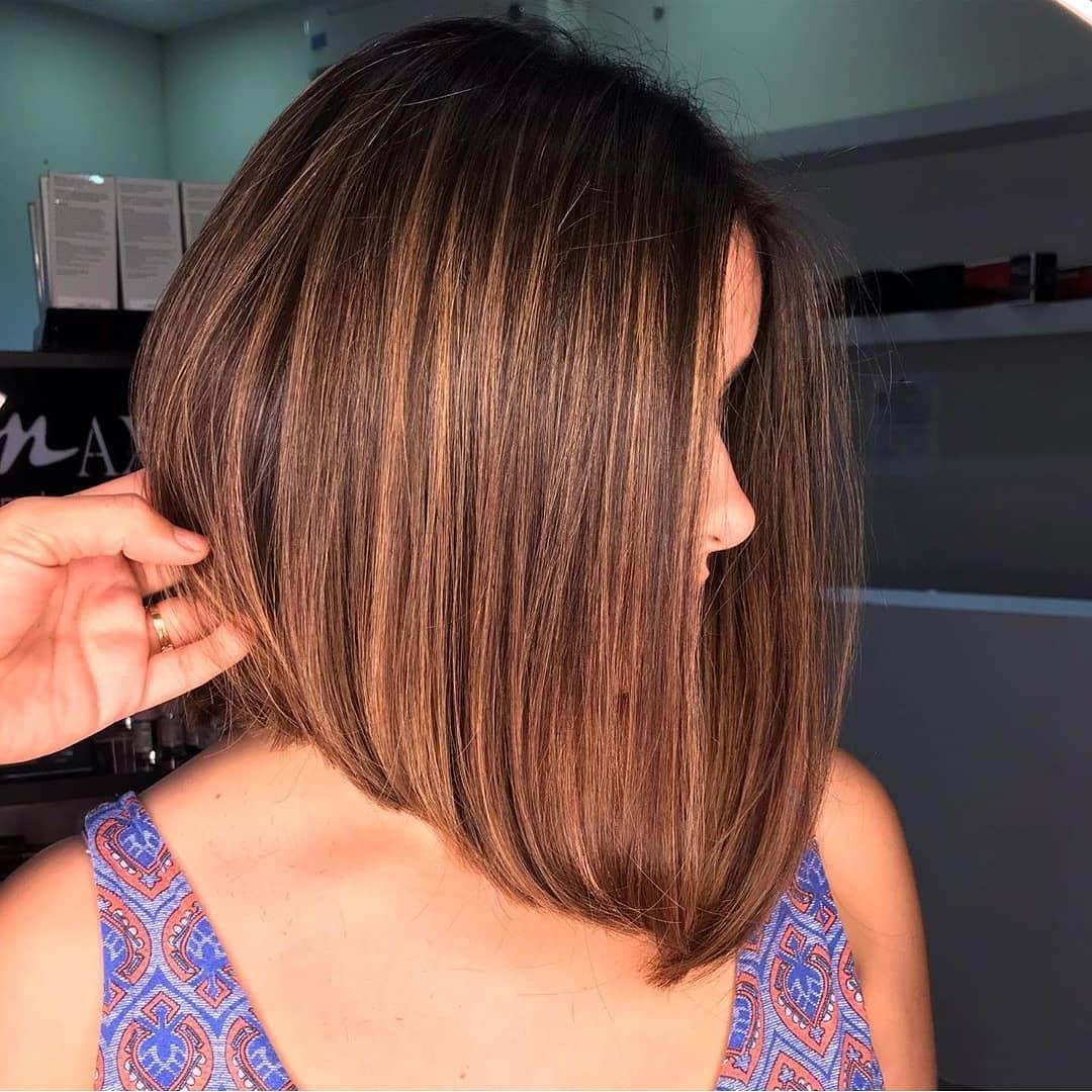Стрижки 2020 после 50 лет на прямые волосы фото 1