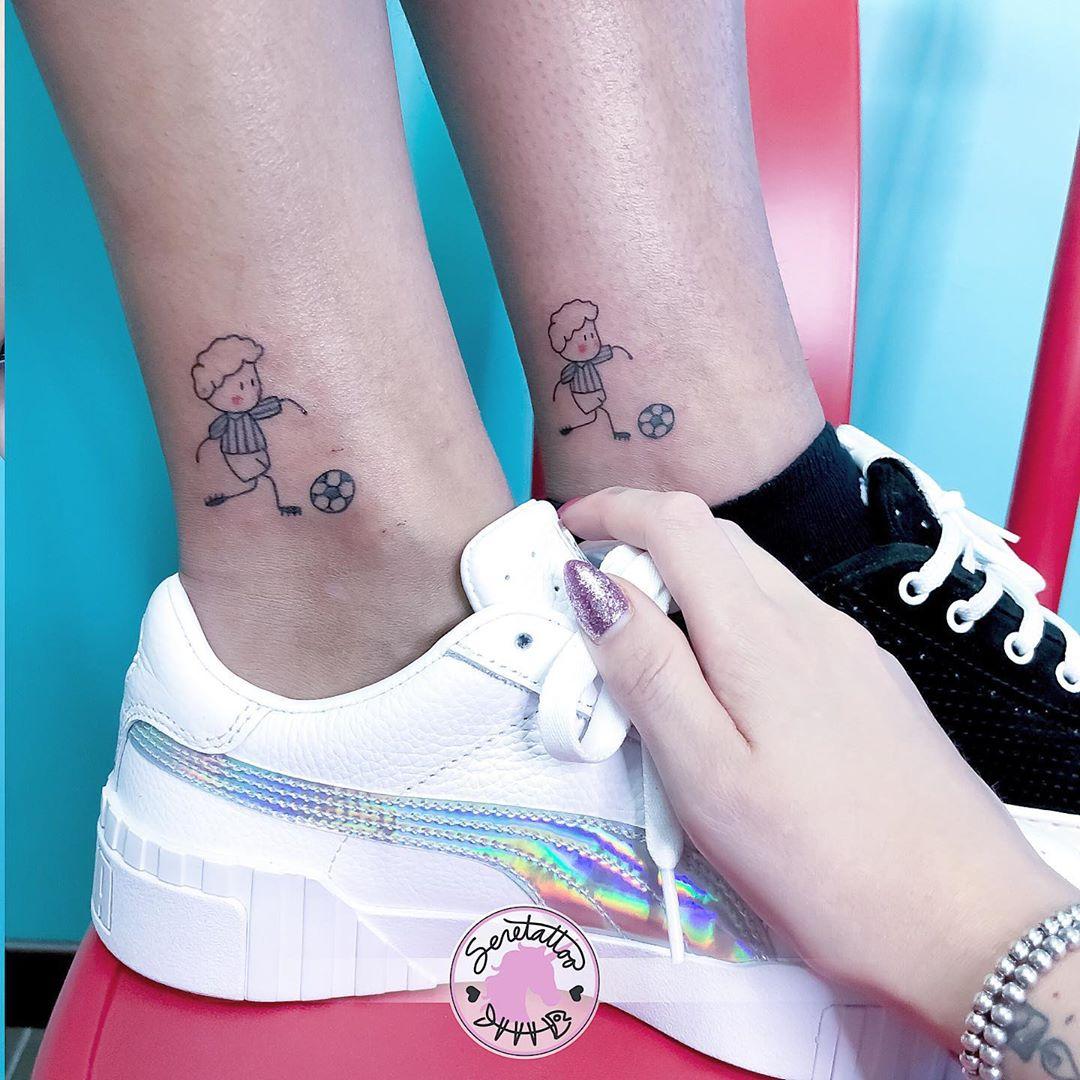 Татуировки в виде матери и ребёнка фото 12