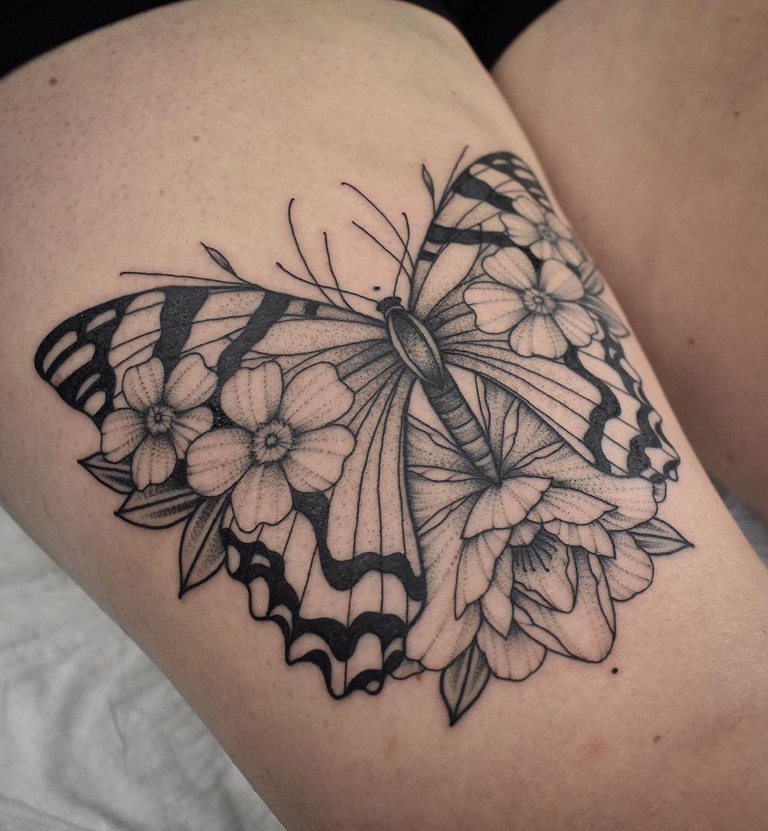 татуировки в виде бабочек фото 20