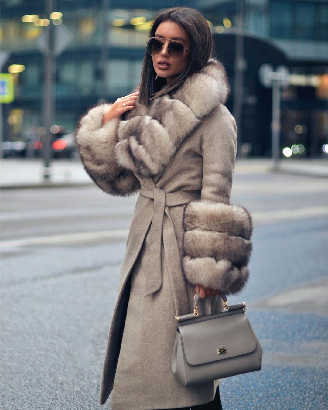Пальто зимнее с мехом 2020 фото 3