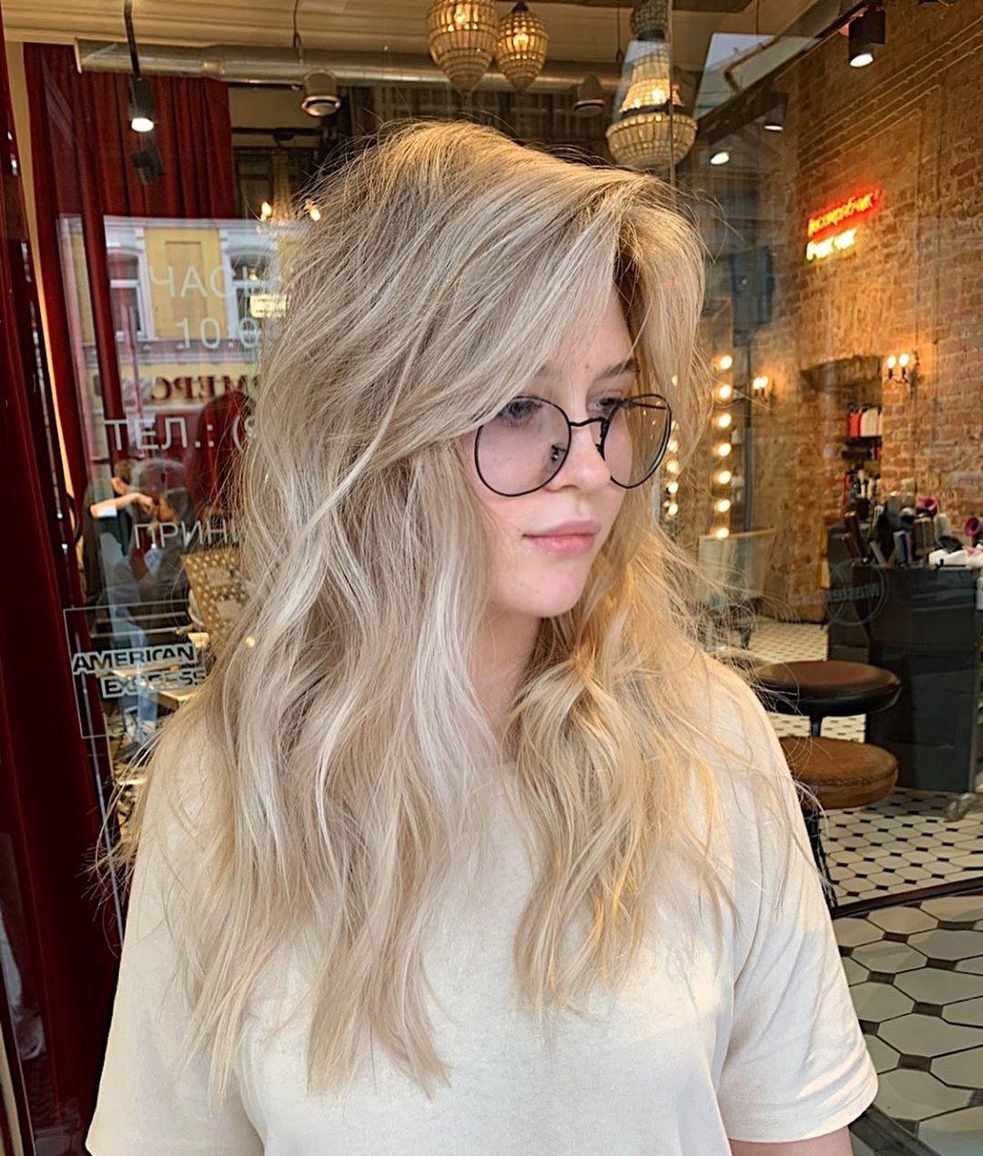 Стрижки на светлые волосы 2020 фото 26