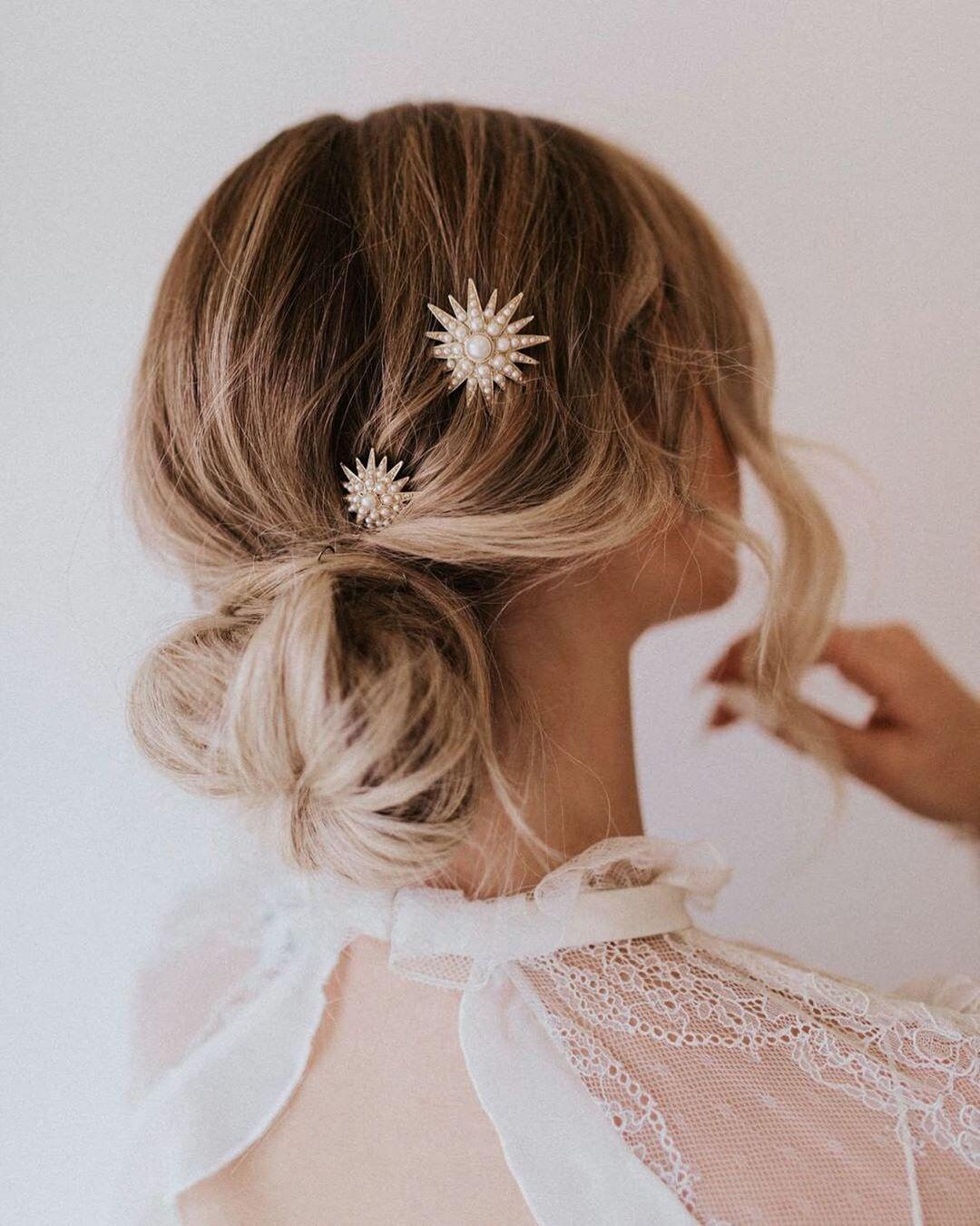 Новогодние прически и укладки 2020 на все виды волос фото 44