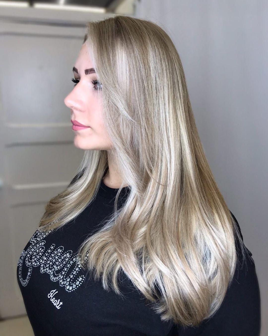 Стрижки на светлые волосы 2020 фото 12