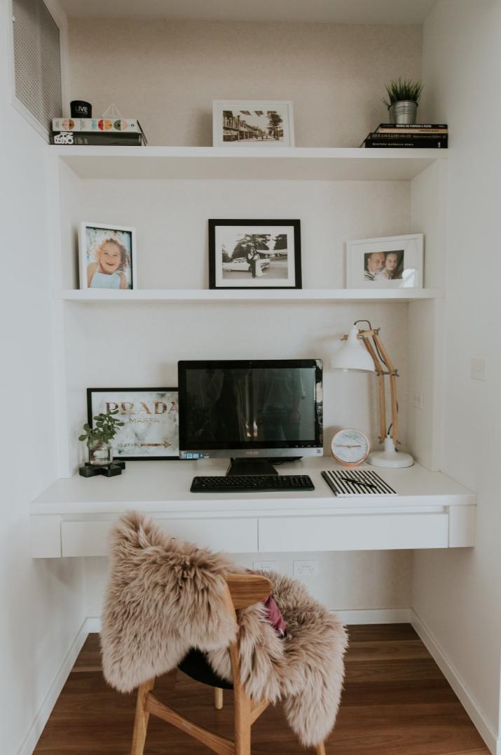 Рабочее место в маленькой квартире фото 9