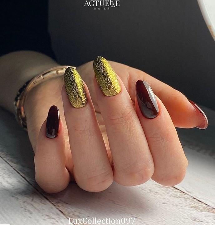 пузырьки на ногтях фото 29