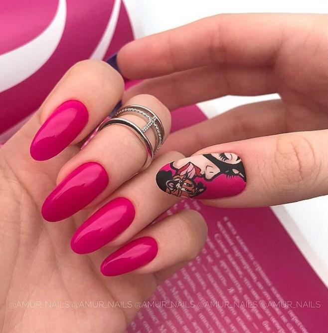 Девушка на ногтях фото 166