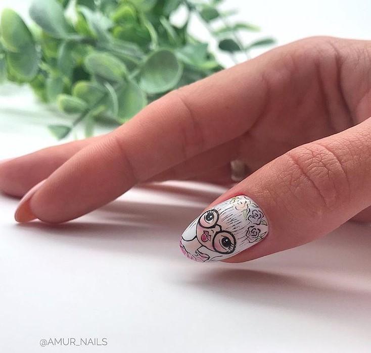 Девушка на ногтях фото 156