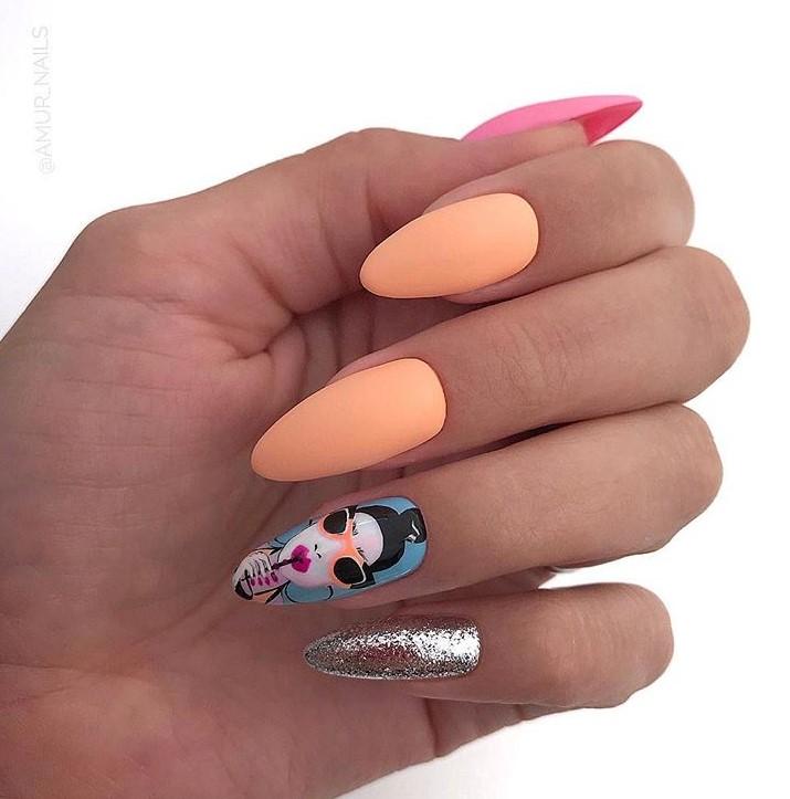 Девушка на ногтях фото 154