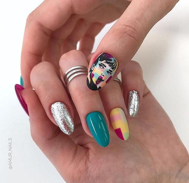 Девушка на ногтях фото 153