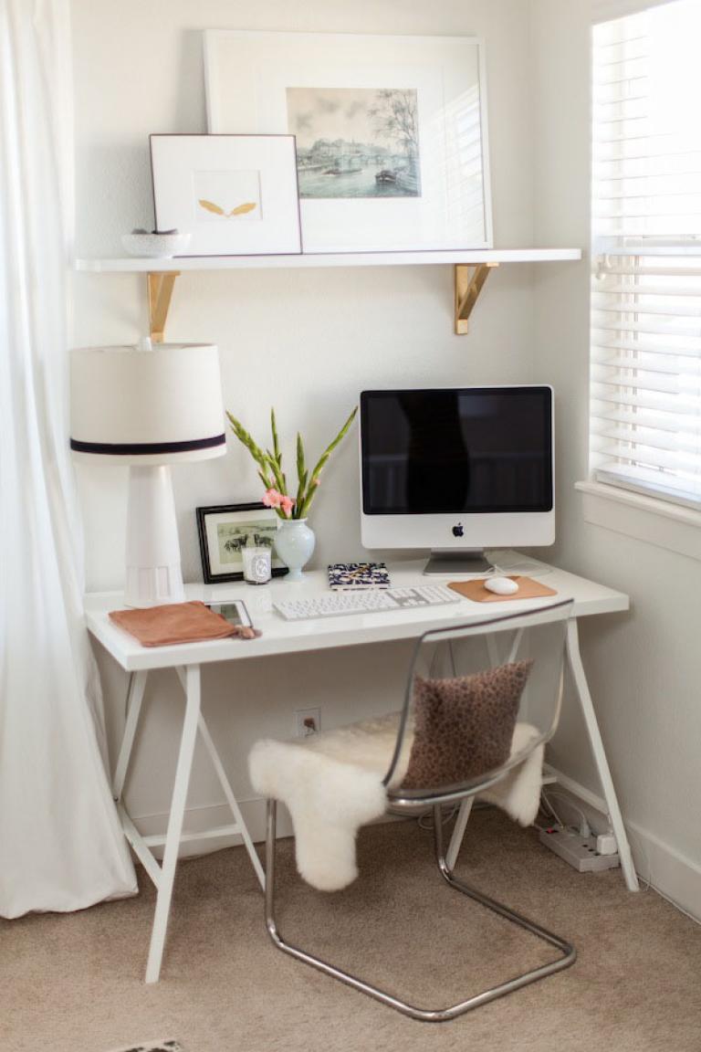 Рабочее место в маленькой квартире фото 12